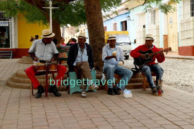 Muzycy na ulicy Trinidadu, Kuba