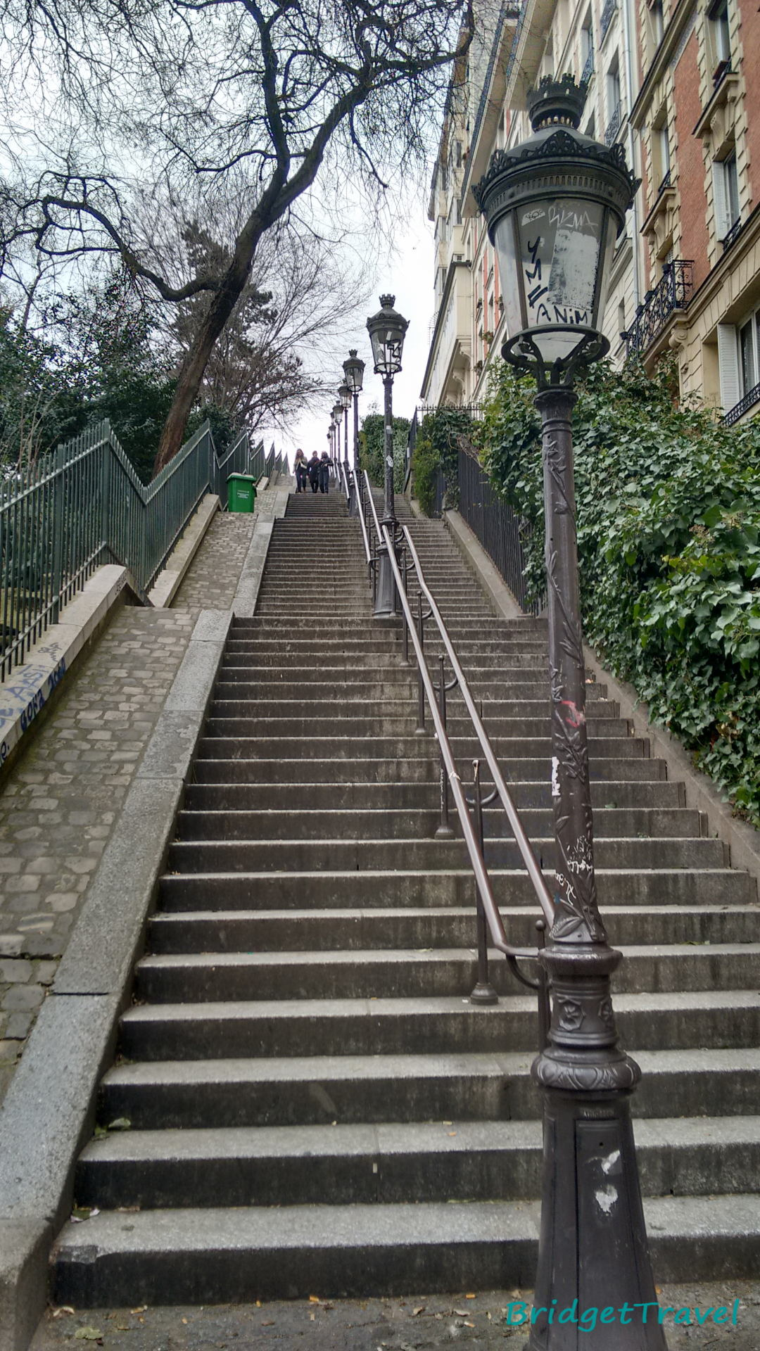Widok na Paryż ze wzgórza z Katedry Najświętszego Serca Pana Jezusa, Francja