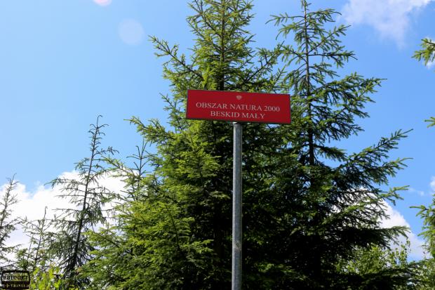 Oznaczenie obszaru Natura 2000 w pobliżu schroniska na Magurce, Beskid Mały